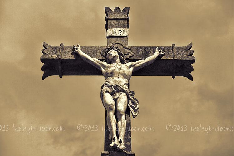 c5d2_2013_france_norm_crucifix_day_001-37
